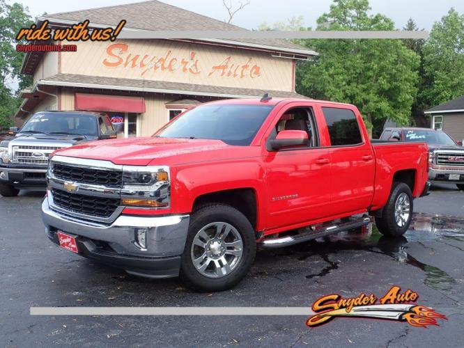 2017 RED CHEVROLET SILVERADO 1500 LT (3GCUKREC5HG) with an 5.3L engine, Automatic transmission, located at 101 S. Halleck St., DeMotte, IN, 46310, (219) 987-2922, 41.202343, -87.198189 - Photo #0